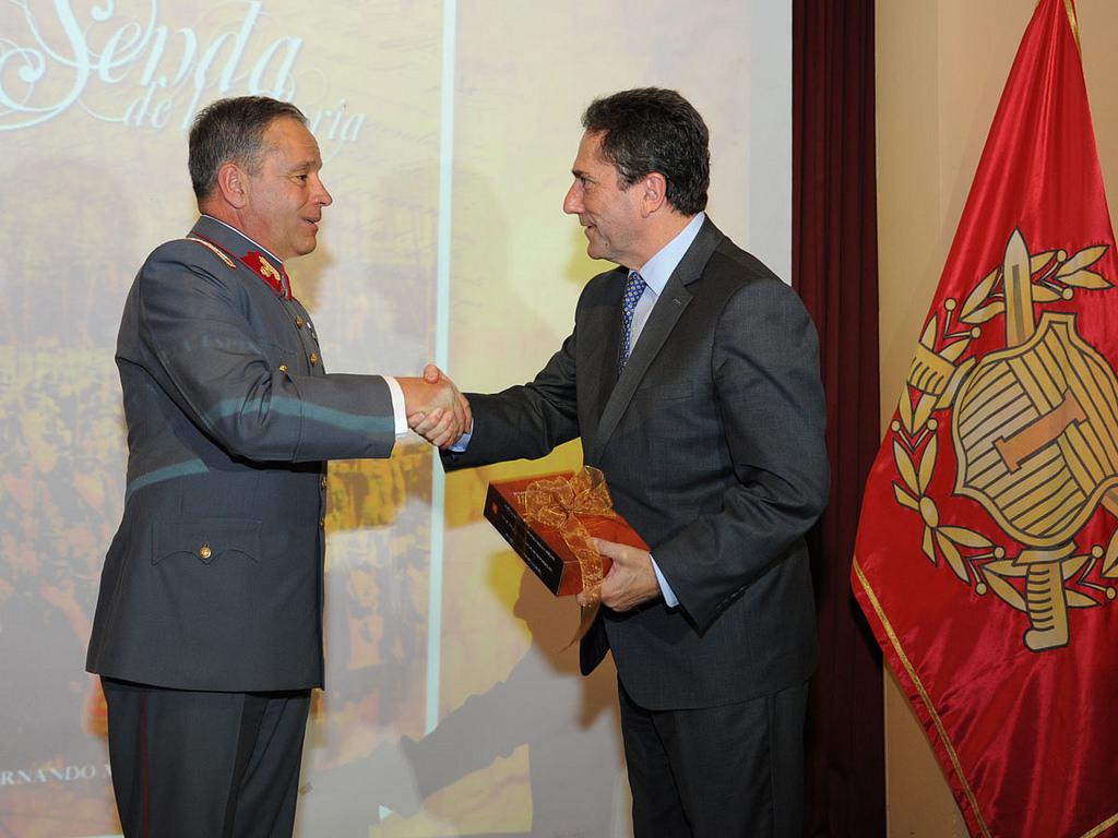 """General Oviedo: """"El Ejército no tiene ni ampara ningún pacto de silencio"""""""
