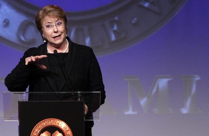 Presidenta Bachelet: «No es tiempo de trincheras»