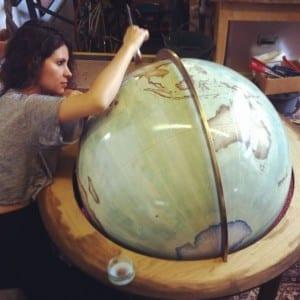 ultimo-fabricante-globos-terraqueos-artesanos-bellerby-globemakers-16