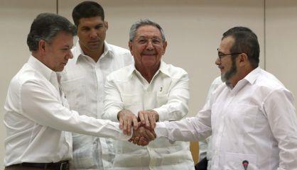 """El Presidente de Cuba sirvió de """"testigo"""" al acuerdo alcanzado este miércoles entre el Gobierno colombiano y las FARC."""