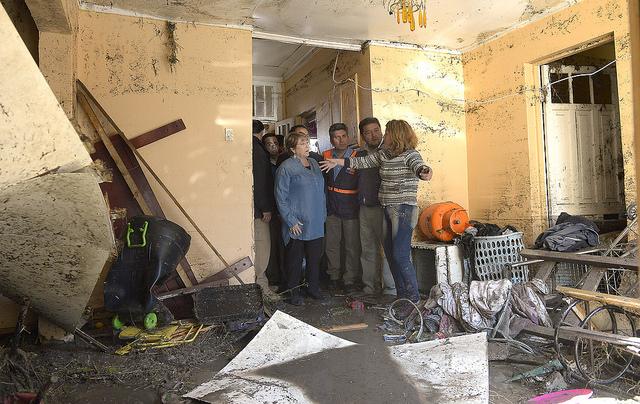 Presidenta Bachelet recorre viviendas dañadas por el terremoto en el Norte Chico.