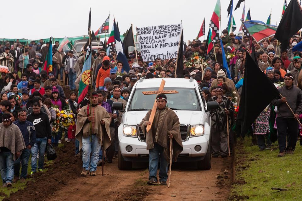 Eluwun (funeral) del peñi José Quintriqueo, asesinado por un trabajador agrícola en el Fundo Nilpe, Galvarino (2014)