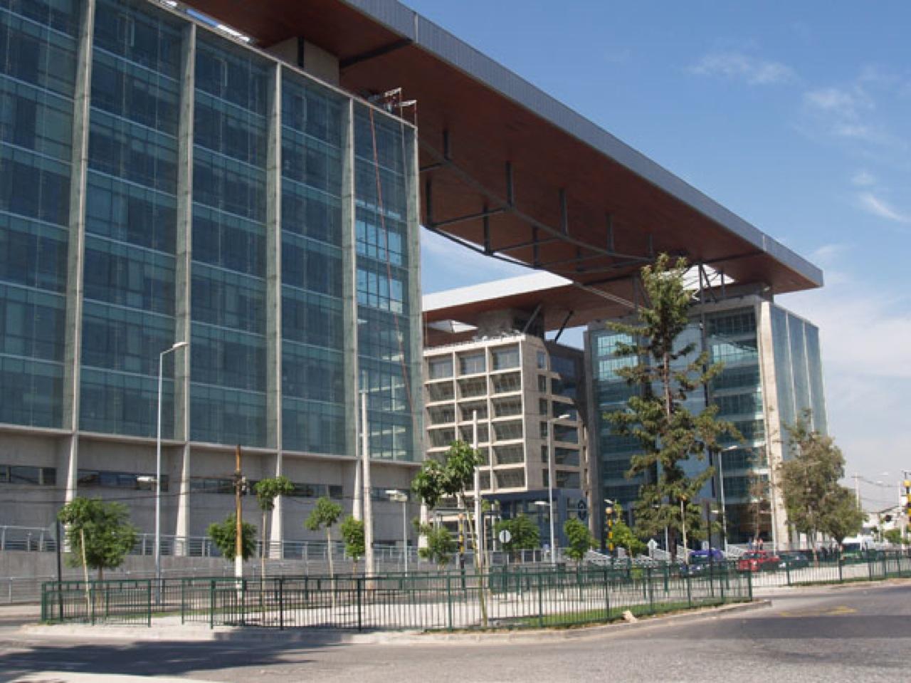 Alterada jornada de formalización de casos Penta y SQM por alarma de bomba en Centro de Justicia