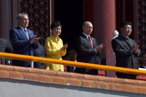 Junto al Presidente Xi Jiping su par ruso Vladimir Putin.