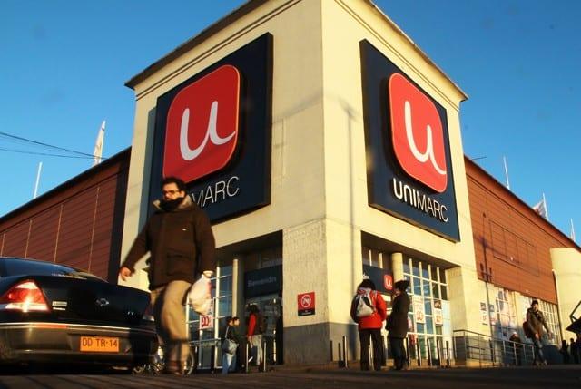 Valparaíso: Trabajador de empaque de Unimarc denuncia despido por «actitudes de loca»