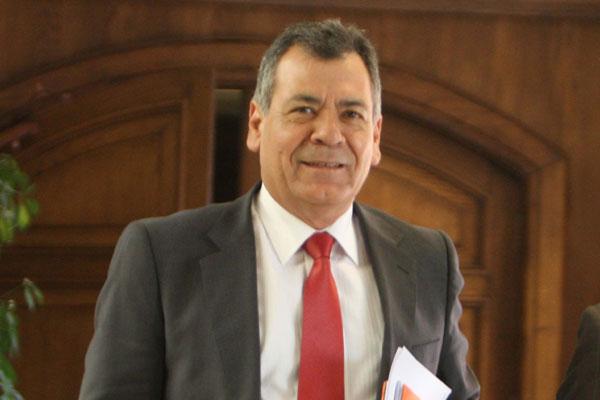 Diputado Rocafull (PS) critica la falta de conectividad aérea de Arica con otras regiones