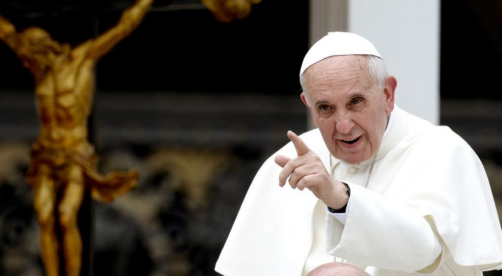 """Espaldarazo del Papa a cuestionado obispo de Osorno: """"No se dejen llevar, de las narices de todos los zurdos que han armado esta cosa"""""""