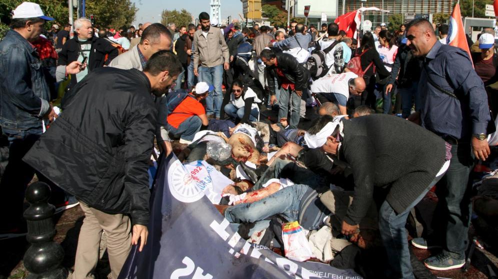 95 muertos y más de 250 heridos es el saldo del ataque terrorista perpetrado este sábado en Turquía.