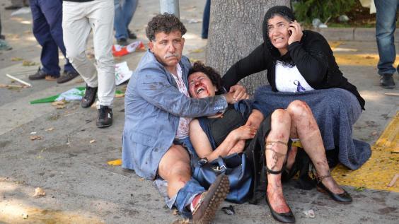 Son cientos los heridos de diversa consideración que dejó el ataque terrorista frente a la Estación Central de Ankara.