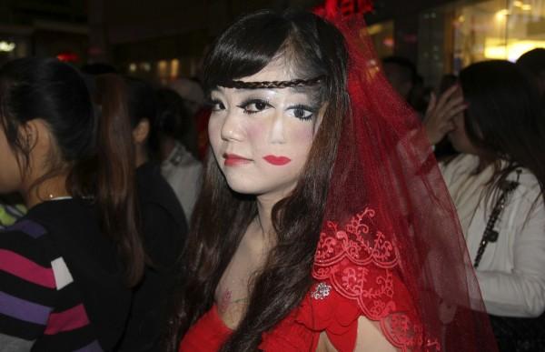 weird-halloween-costumes