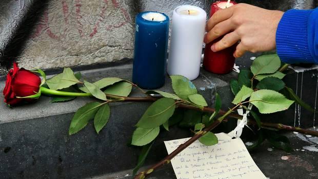 Identifican a uno de los terroristas que atacó París anoche