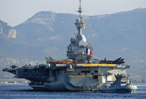 Portaaviones nuclear francés Charles de Gaulle, es la plataforma de los ataques aéros que hará Francia al EI.