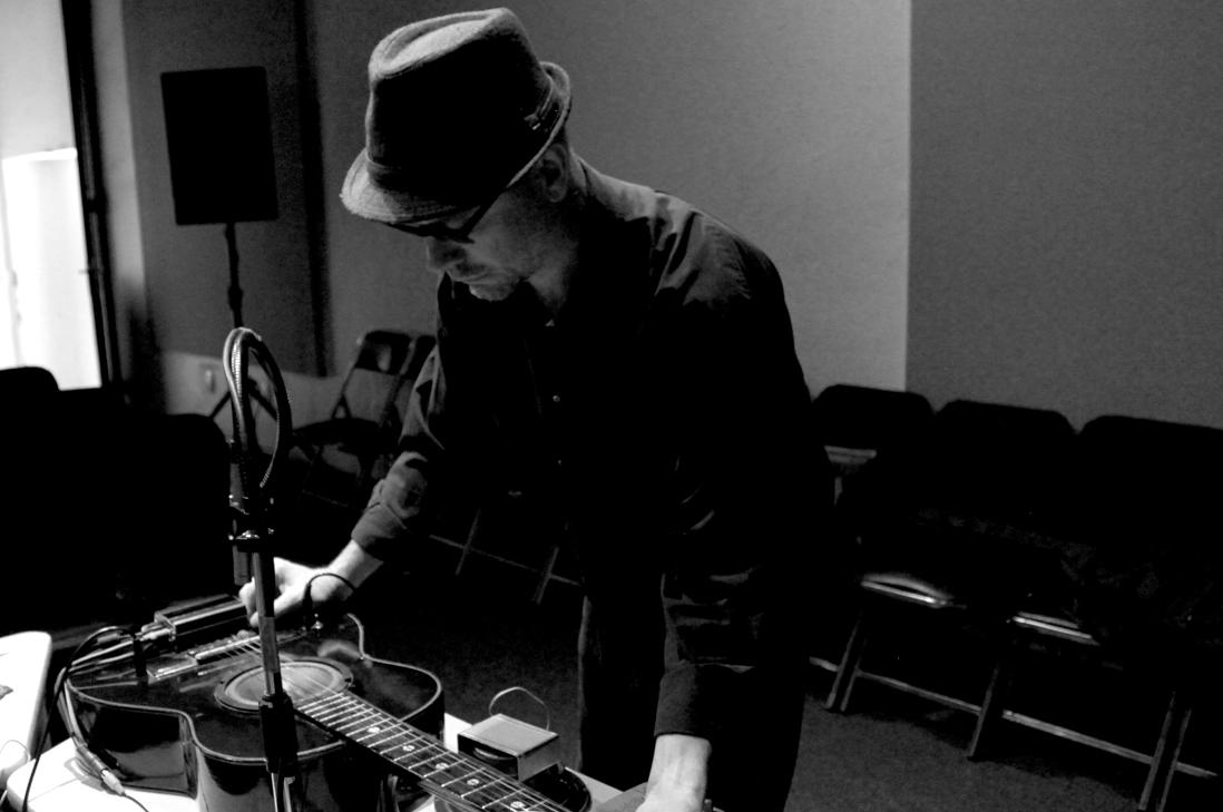 """Música: """"Cruces Sonoros cierra con Arcángel Constantini"""" en el Mac"""