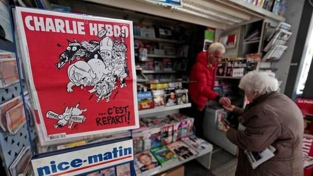 Revista Charlie Hebdo reacciona a los atentados en París: «Ellos tienen las armas. ¡A la mierda, nosotros tenemos el champán!»