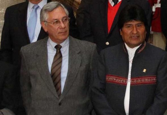 """Ofensiva boliviana en gira de Evo por Alemania, denuncia: """"Ejercicios militares en Chile contrasta la visita de diálogo y paz del canciller Choquehuanca"""""""