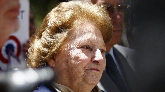 Lucía Hiriart (95) es internada en Hospital Militar en estado reservado