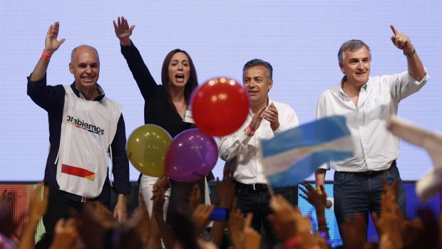 Derecha chilena ya celebra triunfo de Macri