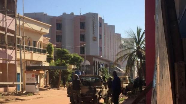 URGENTE ACTUALIZADO: Mali, se reportan al menos 3 muertos en toma de hotel Radisson de Bamako