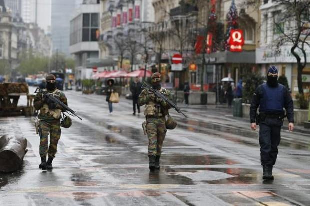 """Bélgica en """"alerta máxima"""" y teme ataque terrorista"""