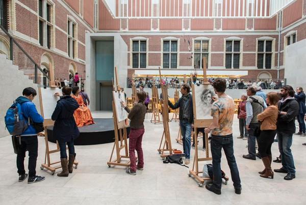 visitantes-museo-dibujos-obras-rijksmuseum-amsterdam-8