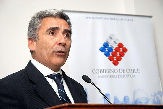 Carlos Peña acusa