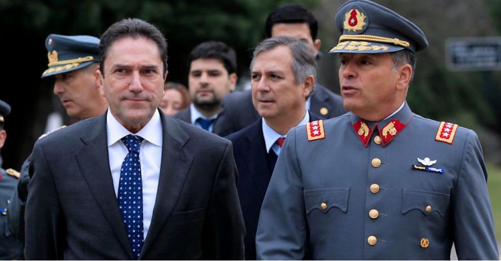 ¿Falta diálogo? Ministro de Defensa anuncia derogación de Ley del Cobre en 2016  y jefe del  Ejército habla de lo contrario