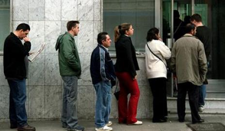 Gobierno preocupado por aumento de notificaciones de despidos tras estallido social