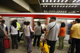 Falla en un tren causa suspensión en tres estaciones de la Línea 2 del Metro