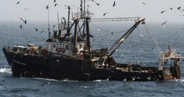 """Mesa de la Cámara declara admisible proyecto que busca anular Ley """"Longueira"""" o de Pesca"""