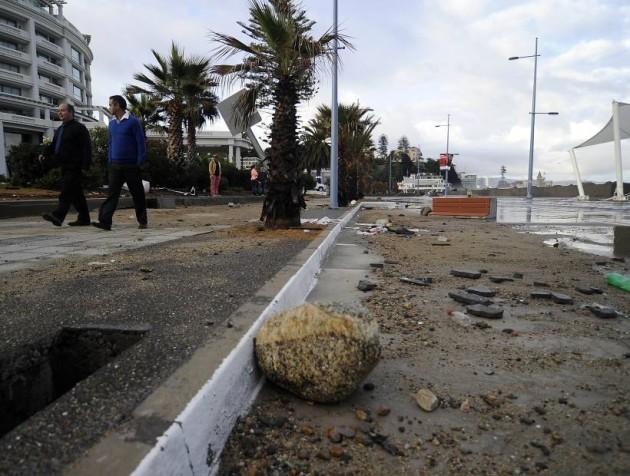 Daños producidos por las marejadas en la Avenida Perú de Viña del Mar.