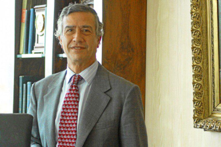 Presidente de BCI admite pago por facturas falsas de Golborne