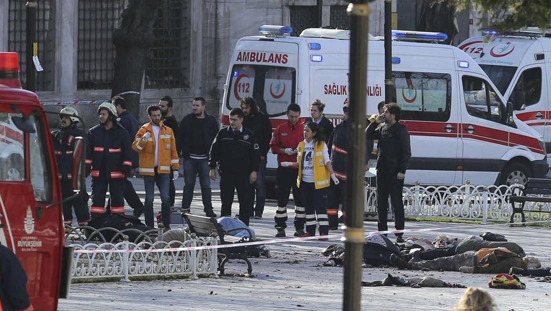 Presidente de Turquía asegura que explosión la provocó un suicida de origen sirio