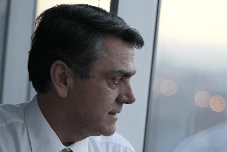 Longueira acorralado: Fiscalía envía a SII declaraciones que vinculan a su fundación en caso SQM