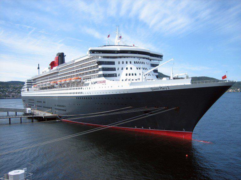 Fiscalía ordena registrar Queen Mary 2 por chef chileno que cayó al mar