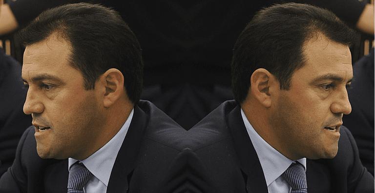 Crece presión transversal para que Riquelme deje La Moneda