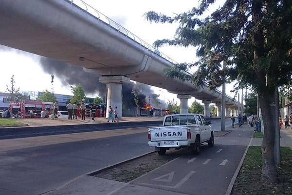 Nuevamente bus del Transantiago se incendia en pleno recorrido