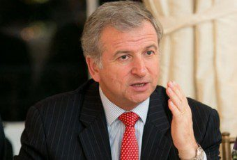 Ministro imputado: Felipe Larraín declaró ante el Ministerio Público por viaje a Harvard