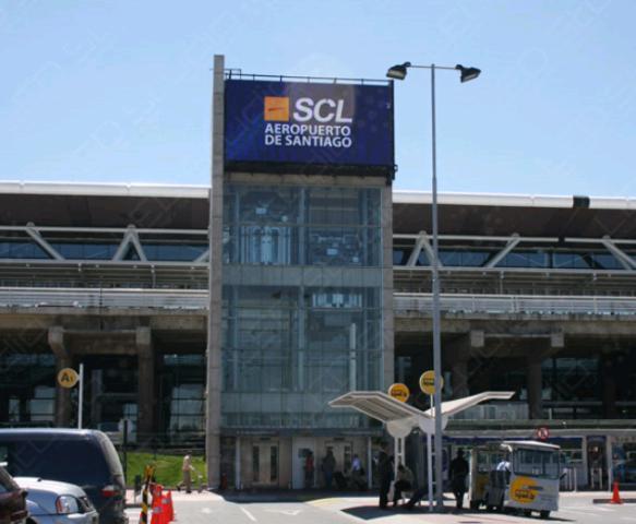 Aeropuerto de Santiago activa Alerta Amarilla por atentados en Bruselas