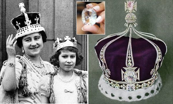 The crown of Queen Mary of England. In the front: The Koh-I-Noor diamond- undated, colored