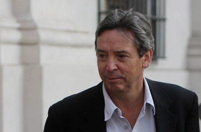 """Carlos Ominami acusa al SII de """"injusto y arbitrario"""""""