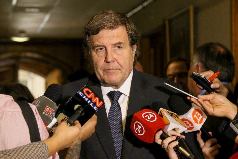 """Ministro Melero confirmó ley de feriados irrenunciables para elecciones y Ministro de Economía insiste en que """"es una pésima medida"""""""
