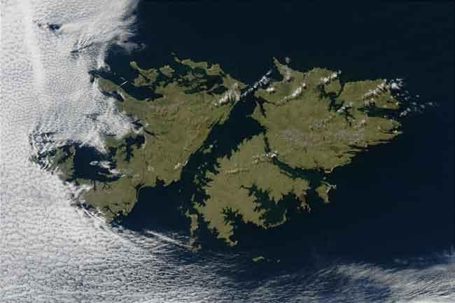 Falkland: Argentina e Inglaterra se reunirán en Londres para identificar a combatientes NN sepultados en las islas del sur