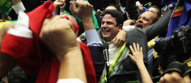 BRASIL: Dilma pierde por 367 votos contra 137 y ahora pasa al Senado