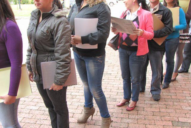 Tasa de desempleo en trimestre móvil septiembre-noviembre llega al 6,8%