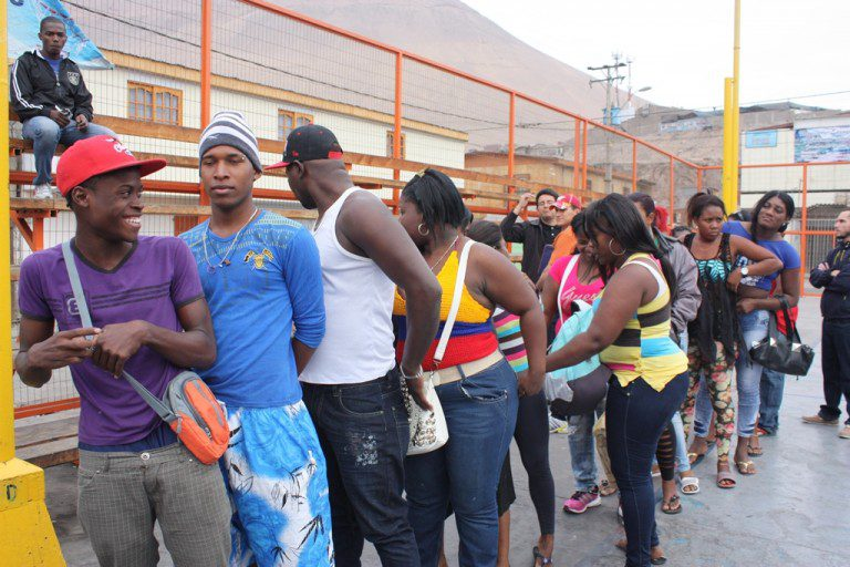 Censo a extranjeros revela que la Región Metropolitana concentra el 63,1% de migrantes residentes en el país