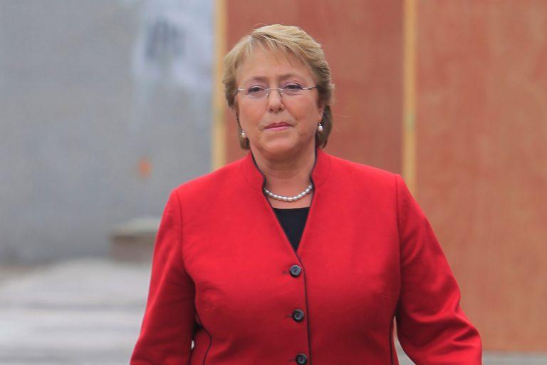 Bachelet envía carta a nuevos alcaldes y les dice que el Gobierno quiere ser su aliado