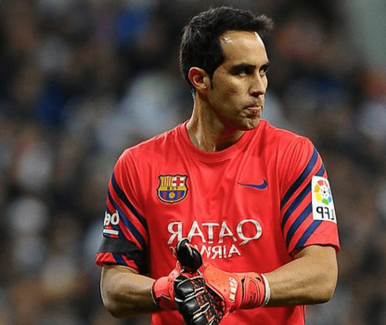 A Claudio Bravo le dan alta en el Barcelona