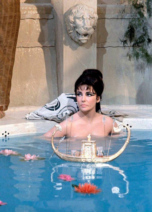 Cleopatra-1963-elizabeth-taylor-16282211-789-1102