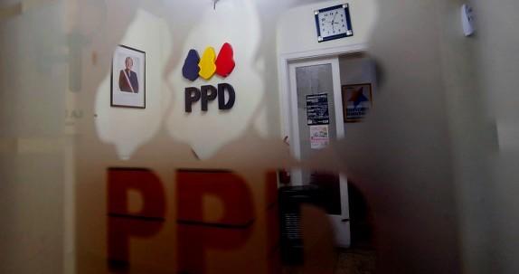 Lío de faldas manda a Tribunal Supremo de su partido a ex diputado PPD