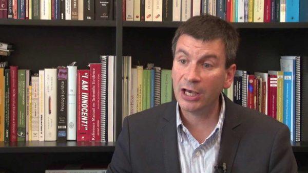 Profesor Mauricio Duce, recuerda que control preventivo y antiencapuchados existe desde 2008.
